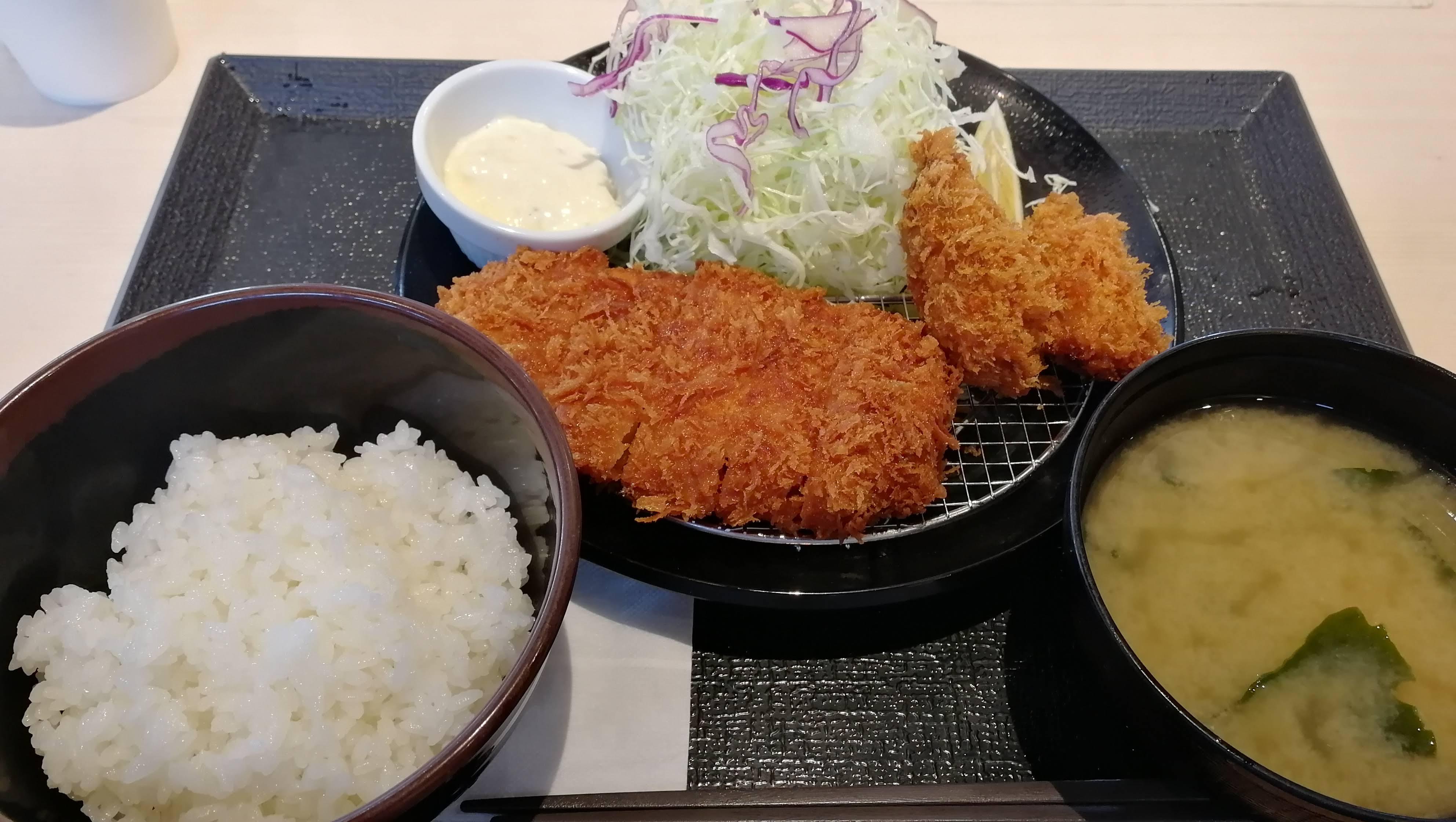 松のやのロースかつ&カキフライ定食